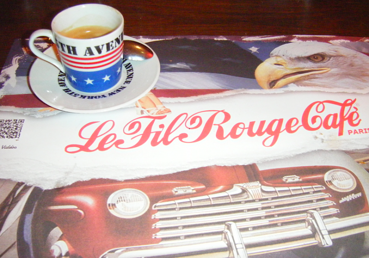 Fil-rouge-Cafe-Paris