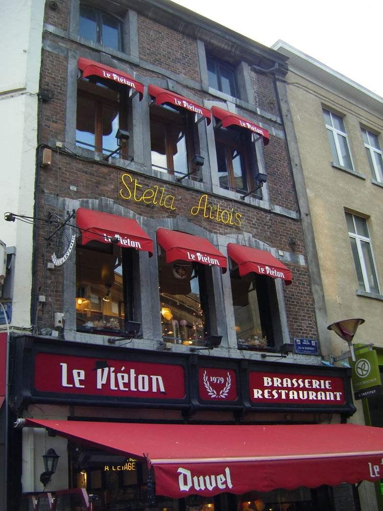 Le-Pieton-charleroi-belgique