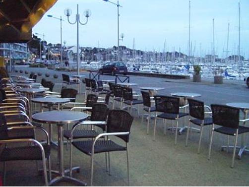 Port-Perroz-Gireg-cafe-Ottilie