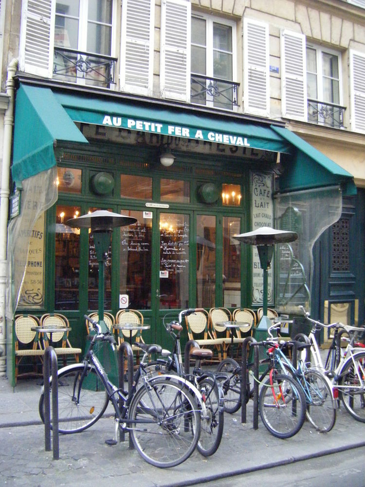 Au-petit-fer-a-cheval-paris