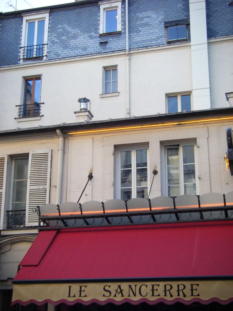 Sancerre-rue-des-Abbesses-Paris