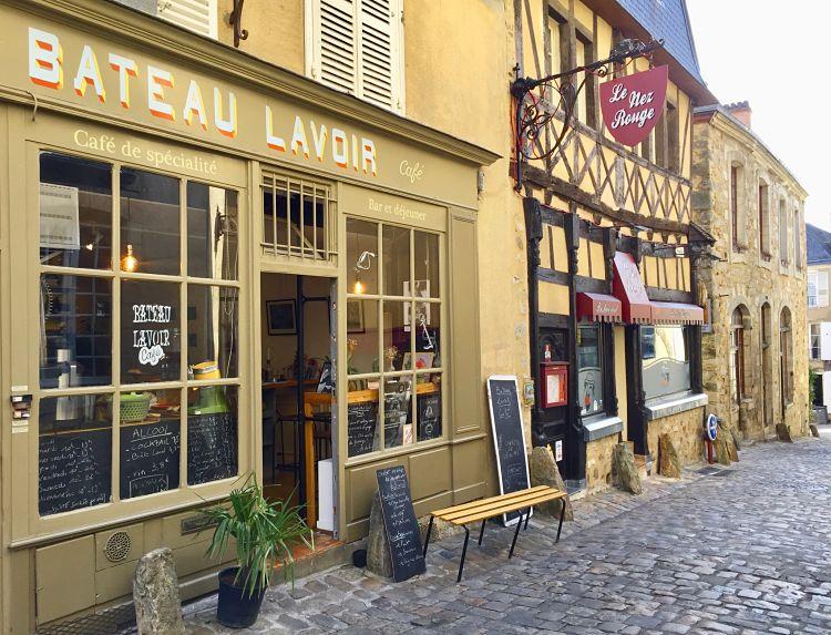 Bateau Lavoir Café du Mans