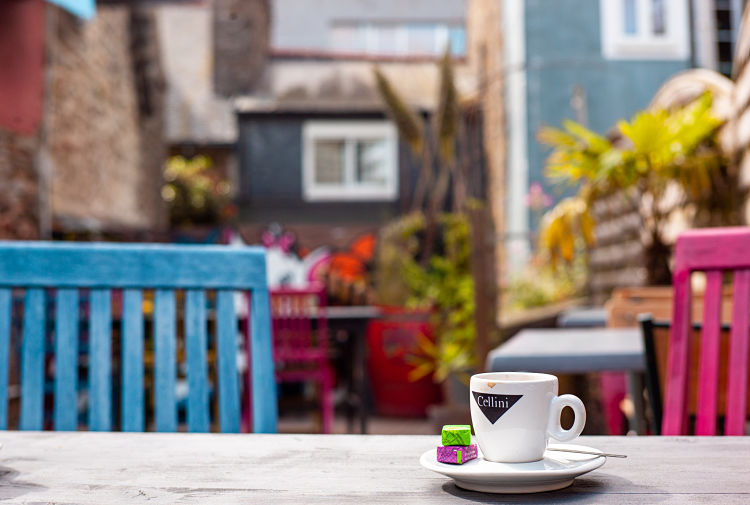 Saint-Brieuc, Café 1701