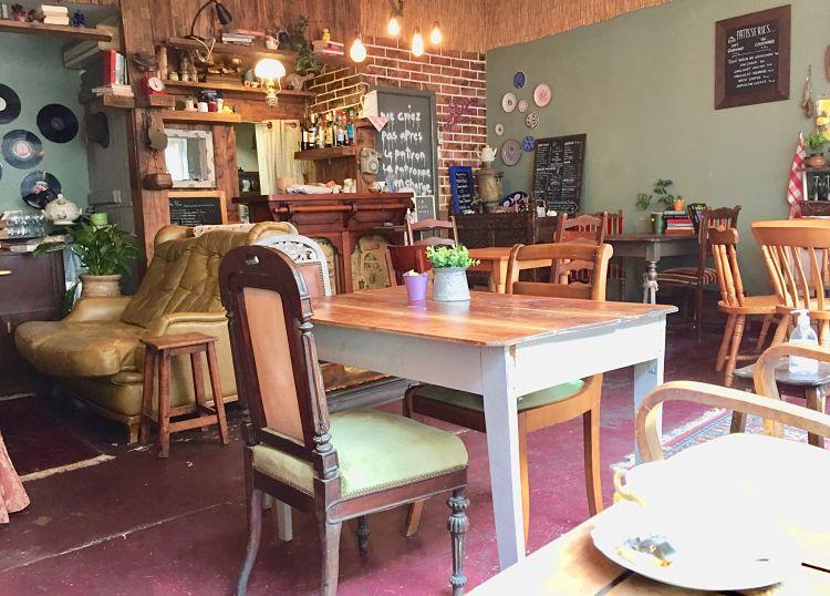 Café vintage à Lannion